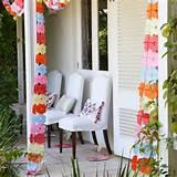 Decora el porche con guirnaldas con troquelados de flores / Decorate ...
