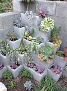 These 14 DIY Projects Using Cinder Blocks Are Brilliant. I Love Them ...