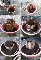 Com alguns bambus, um vaso comum, e terra, dá para criar um arranjo ...