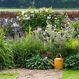 borders | Spacious Wiltshire garden | Cottage-style garden | Garden ...