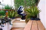 Small garden designs, wooden benches and attractive details for ...
