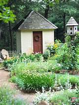 beautiful angle shed 7 Beautiful Garden Designs