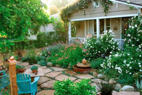 10 Cottage Gardens That Are Just Too Charming For Words (PHOTOS)