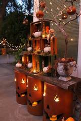 Table Decor Ideas For Thanksgiving ~ Cozy, Folk Art-Style Fall ...