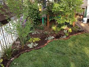 Brick Garden Edging Ideas | Brick Edging Kind of like this edging.