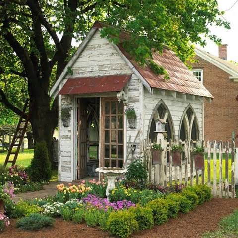 beautiful antique garden shed 8 Beautiful Garden Designs