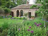 Old Coach House Garden by garden designer Amanda Patton MSGD. Short ...
