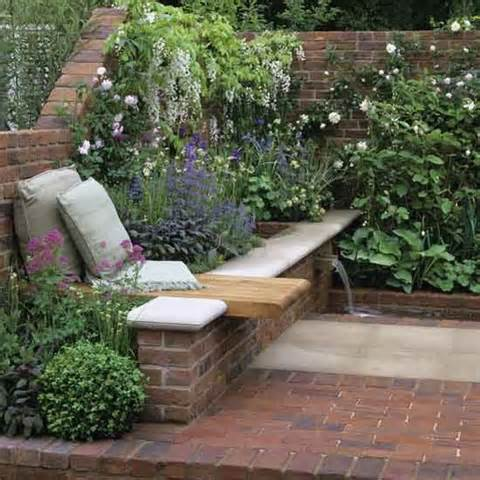 Corner floral garden area | Garden design | Decorating ideas | Image ...