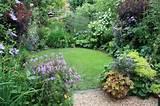Idée pour aménager un petit espace extérieur : coin repas et jardin ...