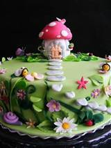 Fairy garden cake with toadstool house / foodies! - Juxtapost