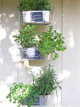 For details on making this herb garden, visit Small Garden Love .