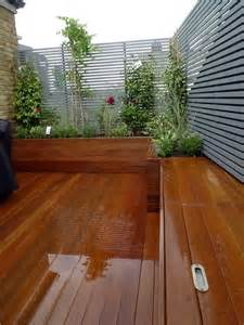 ... -deck-privacy-screen-garden-trellis-clapham-small-garden-design.JPG