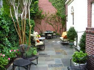 Traditional Small Scale Patio traditional-patio