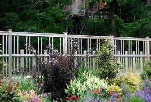 Images Fencing Ideas For Gardens: 21 Wonderful Garden Fencing Ideas ...