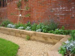 Raised garden beds flow in this back yard (perfect-diy-ideas) Raised ...
