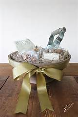 christmas gifts in a basket ideas gardening gift basket