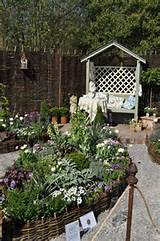 love it | shabby chic/country garden ideas | Pinterest