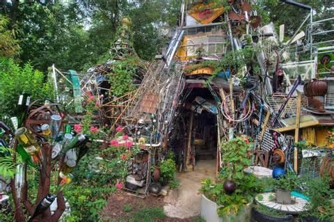 Flea Market Garden: Art or junk? | Flea Market Gardening