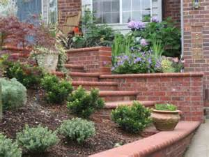 Cheap and Easy Front Yard Landscaping IdeasSimple Landscaping Ideas On ...