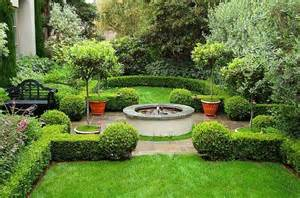 mediterranean green and lush garden design with detailed shrubbery