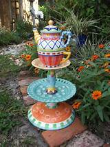 garden decor...reminds me of Alice in wonderland! Love it!