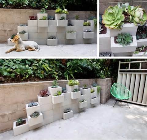 Cinder Block Planter Wall | Decor Hacks