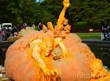 giant pumpkin carving ray villafane 2 537x402 jpg