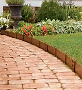 lawn and garden edging ideas - Implementing Various Lawn Edging Ideas ...