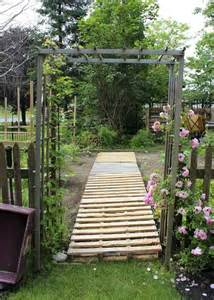 pallet walkway in a vegetable garden pallets build it pinterest