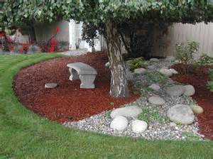 ... Landscape Ideas for Small Yards : Grass Bark Backyard Landscape Ideas