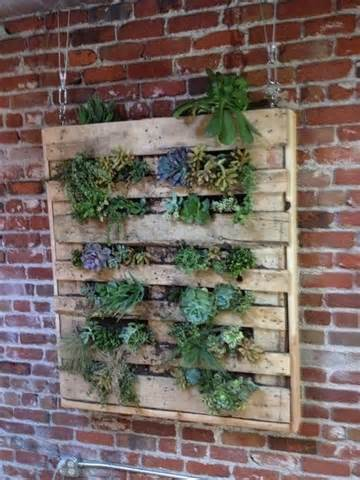 DIY Vertical Garden With Pallet | Pallet Furniture Plans