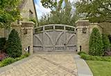 Exterior Design: Extraordinary Landscape Designs With Wooden Gates And ...