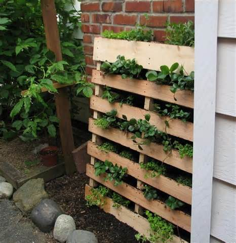 DIY Herb Garden Made Of Pallets | 101 Pallets