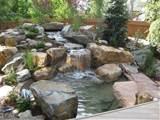 Water Features in Japanese Garden Beautiful Landscape Stone Garden ...