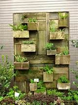 Vertical garden design built using pallets 2DIY Pallet Furniture | DIY ...