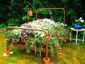 ... Frames for Flower Beds, 20 Creative and Eco Friendly Backyard Ideas
