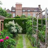 Secret garden | Garden design | Trellis idea | Image | Housetohome