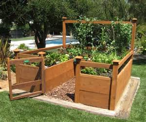 keyhole style raised bed with a trellis great for a small space