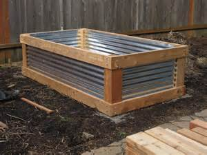 Gardening in Small Spaces: Container Gardens & Raised Beds :: Southern ...