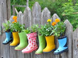 KnitzyBlonde: DIY + Recycling + Gardening = Fun Container Gardens!