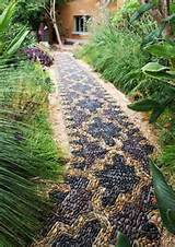 Unique Backyard Landscaping Ideas and Garden Path Designs with Pebbles ...
