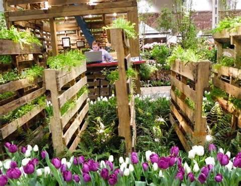 13 Pallet Vertical Garden For Beautifying You Home | Pallet Furniture ...