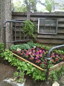 my aunt joan in lexington ky created this awesome flowerbed from my