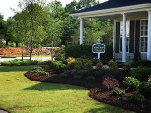 simple landscaping ideas front of house easy simple landscaping