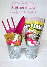 Garden Gift Idea {A Pretty Life} what a great idea and it has the ...